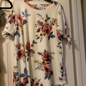 Floral oversized top